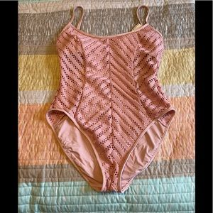 Kenneth Cole NWT SWIMSUIT